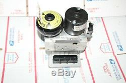 03-06 W211 Mercedes E320 Abs Systeme Anti Blocage De Frein Pompe M2631